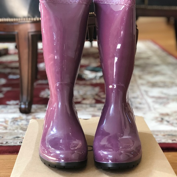 3a419eadf19 Authentic UGG W Shaye Purple Passion rain boots 11 NWT